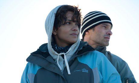 Movie Trailer:  Dark Tide (2011)