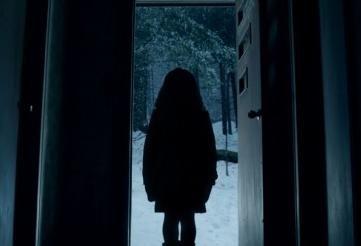 Movie Trailer:  Mama (2013)