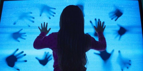 Movie Trailer:  Poltergeist (2015)