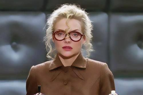Selina Kyle – Top 10 Movie Secretaries