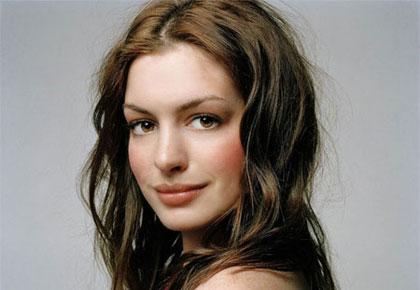 anne hathaway eyes. Anne Hathaway
